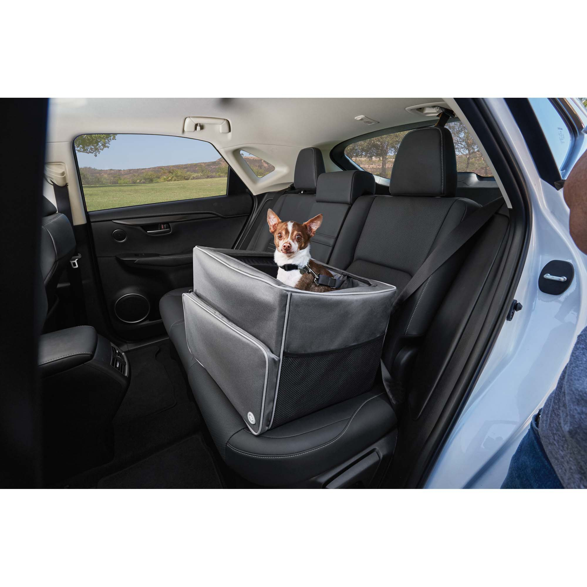 good2go auto booster seat in gray petco. Black Bedroom Furniture Sets. Home Design Ideas